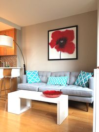 ***Urban-Chic Oasis with Views of Union Square Park***