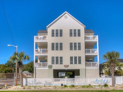 Photo for Tahitian Pearl North, Luxury Rental Steps from Beach, Game Room, Shared Pool and Hot Tub