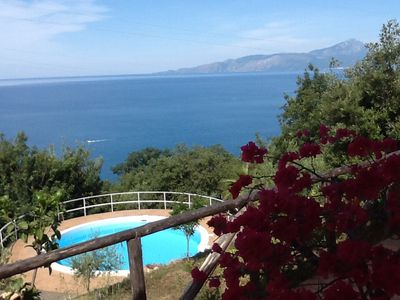 Photo for Small villa located in a quiet pool and sea view / Gulf of Policastro