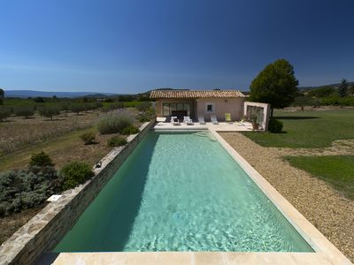 Photo for Family friendly villa, large pool, vineyard in the beautiful Luberon