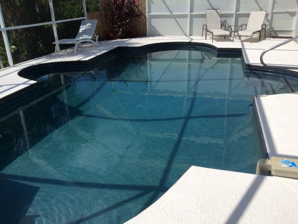 Luxurious Contemporary Vacation Awaits You! Hot tub/Heated Pool ...