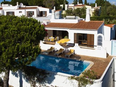 Photo for Detached villa near the city center of Carvoeiro with sea view