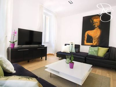 Photo for Renovated 3 bedrooms with patio - heart of Cannes