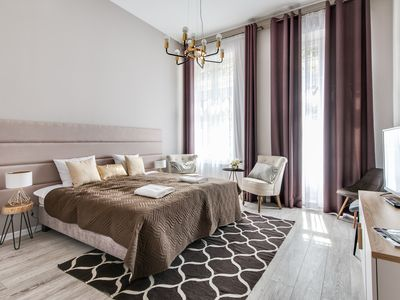 Photo for Luxury Two-Bedroom Apartment With Balcony In Centr