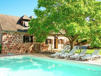 Photo for Spacious, authentic farmhouse in a hamlet with magnificent view and pool.