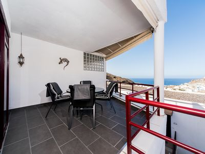 Photo for Apartment with ocean view, free wifi and parking