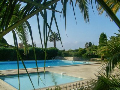 Photo for Bandol, Beautiful T2 any comfort, Private car park, swimming pool, tennis, WIFI, direct access SEA