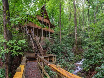 Photo for NEW LISTING! Spacious creekside oasis w/ private hot tub, pool table, fireplace!