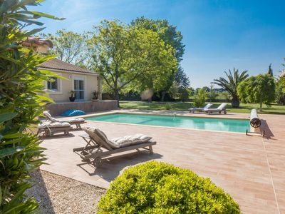 Photo for A Nice quiet villa with private swimming pool between Nimes and Aigues Mortes