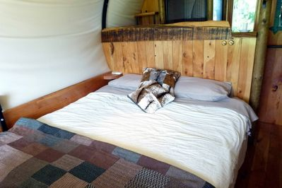 King size double bed, or twin single beds