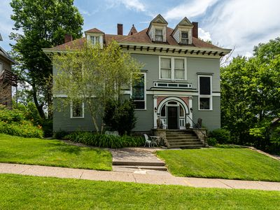 Jewel in the Crown-Fully Restored Mansion For Reunions, Parties & Groups Slps 21