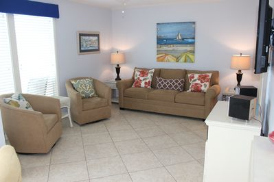 Relax in island cottage comfort in this newly remodeled one-bedroom/one-bath, pet-friendly condo.