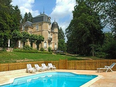 Swimming pool and château