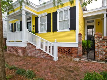 The Captain's Cottage is the perfect getaway to enjoy historic Savannah.