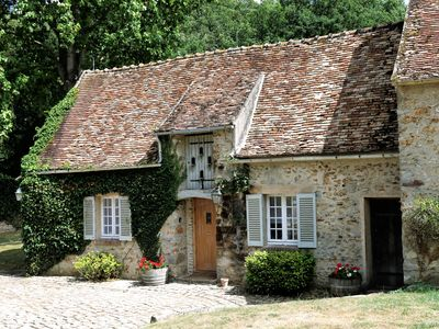 Photo for Le Pigeonnier, lovely cottage at the Former Home of Edward and Mrs Simpson