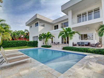Photo for Modern Luxurious Beach Retreat-5 Br with/pool