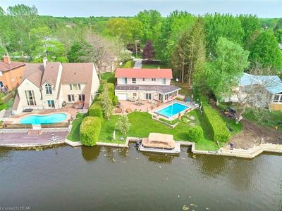 Photo for Lush Cottage with Beautiful Warfront View, w/ Swimming Pool, BBQ, Luxury feel