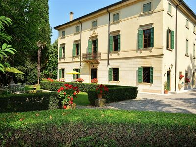 Photo for Rooms in Villa of the nineteenth century in Valpolicella