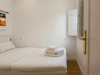 Photo for Cosy 1BDR in heart of Madrid - 2mins to tube