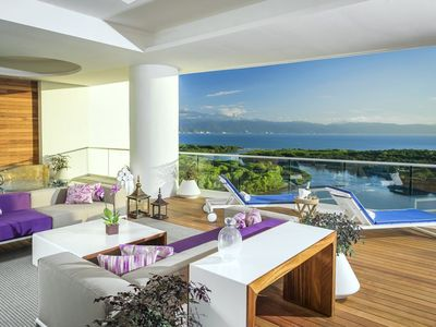 Photo for 10% off sale for Presidents Week, February 2021! Luxury Spa Tower Villa