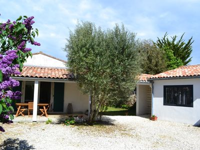 Photo for Nice house with courtyard and enclosed garden in the village of Sainte Marie la Noue