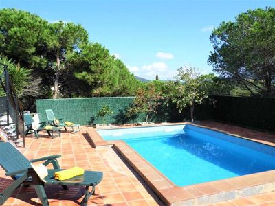 Photo for House with private pool, ping pong, A/C, 7-9 px