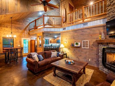 Photo for CHINABERRY LODGE-REMODELED! $195/Sleeps 6, 1 K BR/1 Q BR Loft, Hot Tub, Close to Lake, Screened in Porch