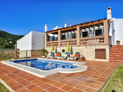 Photo for Villa with pool in a quiet area! Ref.238719