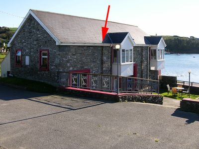 This property is perched on the waters edge and adjacent to Middle Ring Pier, Clonakilty Harbour.