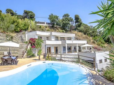 Photo for Catalunya Casas: Modern Villa Mestral for 9 guests, only a few km's to the beach!