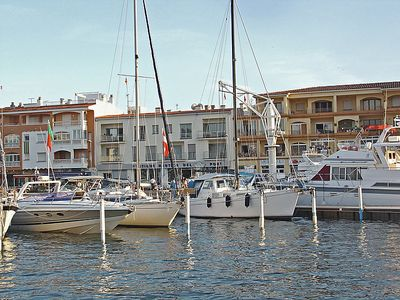Photo for 2 bedroom Apartment, sleeps 6 in Empuriabrava with Air Con