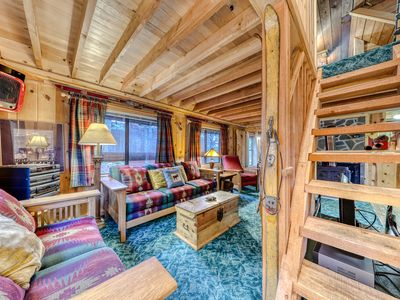 Photo for Charming Mt. Hood cabin - close to chairlifts, boutiques, shops, dining!
