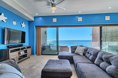 20' wide wall of glass with 10' opening for amazing views.