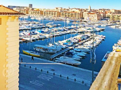 Photo for 55m2 luxury in Vieux-port lift and air conditioning