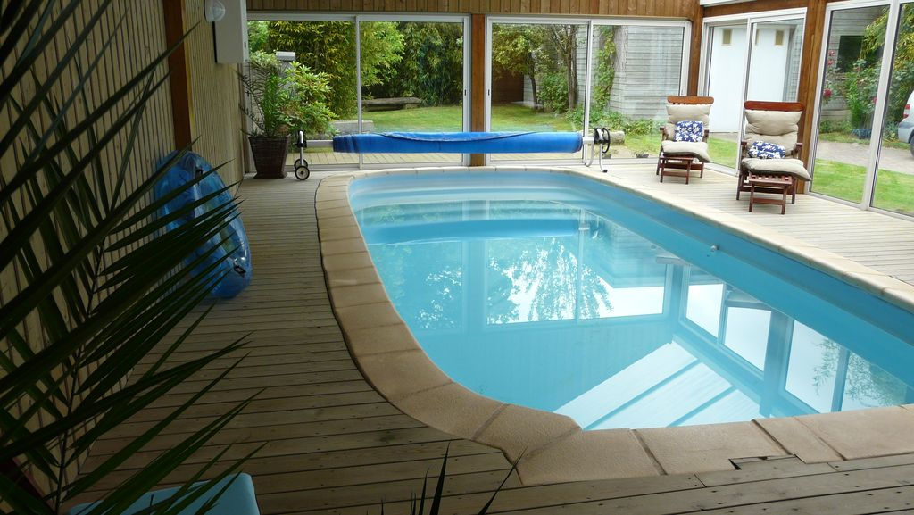 House with indoor pool and sauna in brittany 12 people - Indoor swimming pool in los angeles ...