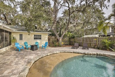 Up to 8 guests can unwind after beach days at this prime vacation rental abode!