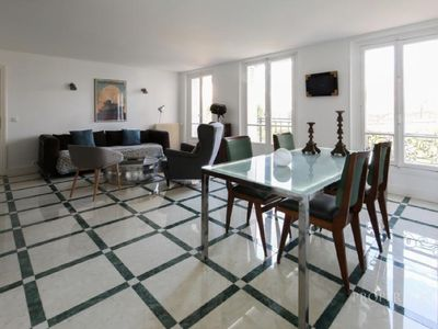 Photo for Charming apartment, Paris 15 ', Disneyland 30', banks of the Marne