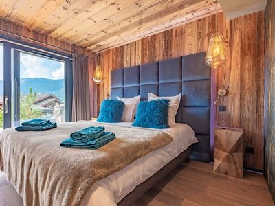 Photo for Luxury chalet near the center and the slopes