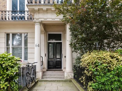 Photo for Notting Hill , Bayswater ,Hyde park DELUX 1 BED APARTMENT