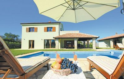Photo for Luxury villa with pool and private garden, near the sea in Pula, Croatia