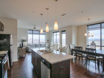 Photo for Luxurious Downtown Corner 2bd2bth-City/River-#320