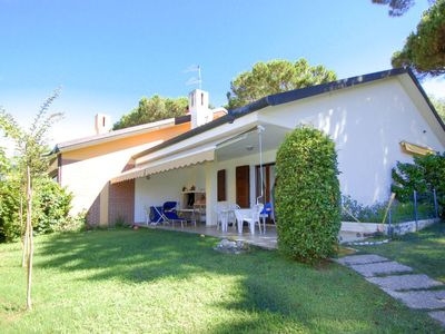 Photo for Isola Albarella Holiday Home, Sleeps 8 with Pool and Air Con