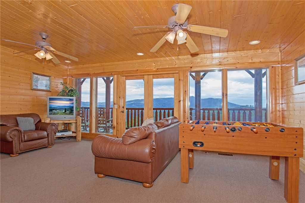 Big timber lodge br ba cabin in pigeon forge