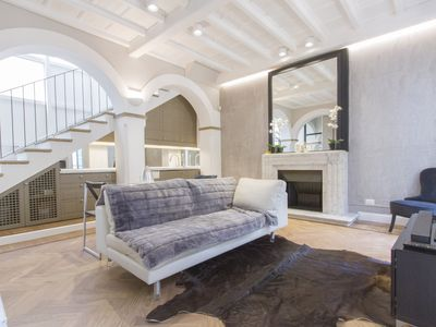 Photo for Elegant and fully furnished apt in Duomo 015146-CIM-00920