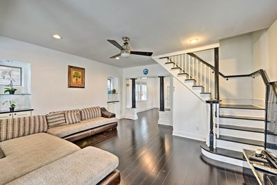 Find hardwood flooring and space for 9 guests at this spacious home.