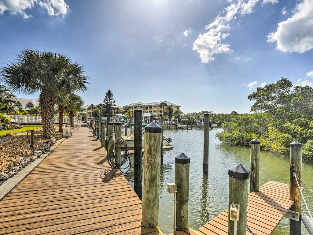 Waterfront Englewood Condo w/ Dock & Pool Access ...