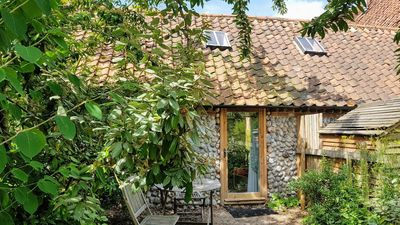 Photo for Barnacle Barn, part of a small complex of barn conversions, the perfect spot for a romantic getaway.