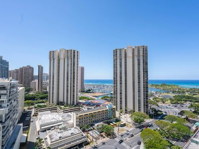 Photo for Hotel Type Ocean and Park View in Ala Moana Vacation Rental! (AH117)