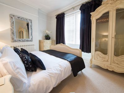 Photo for 2 bedroom Apartment in Harrogate - HH062