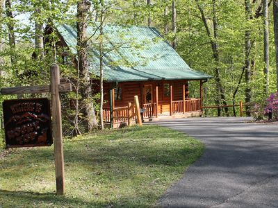 strip near fantastic cabin of in gatlinburg bear downtown cabins excellent our blog one the